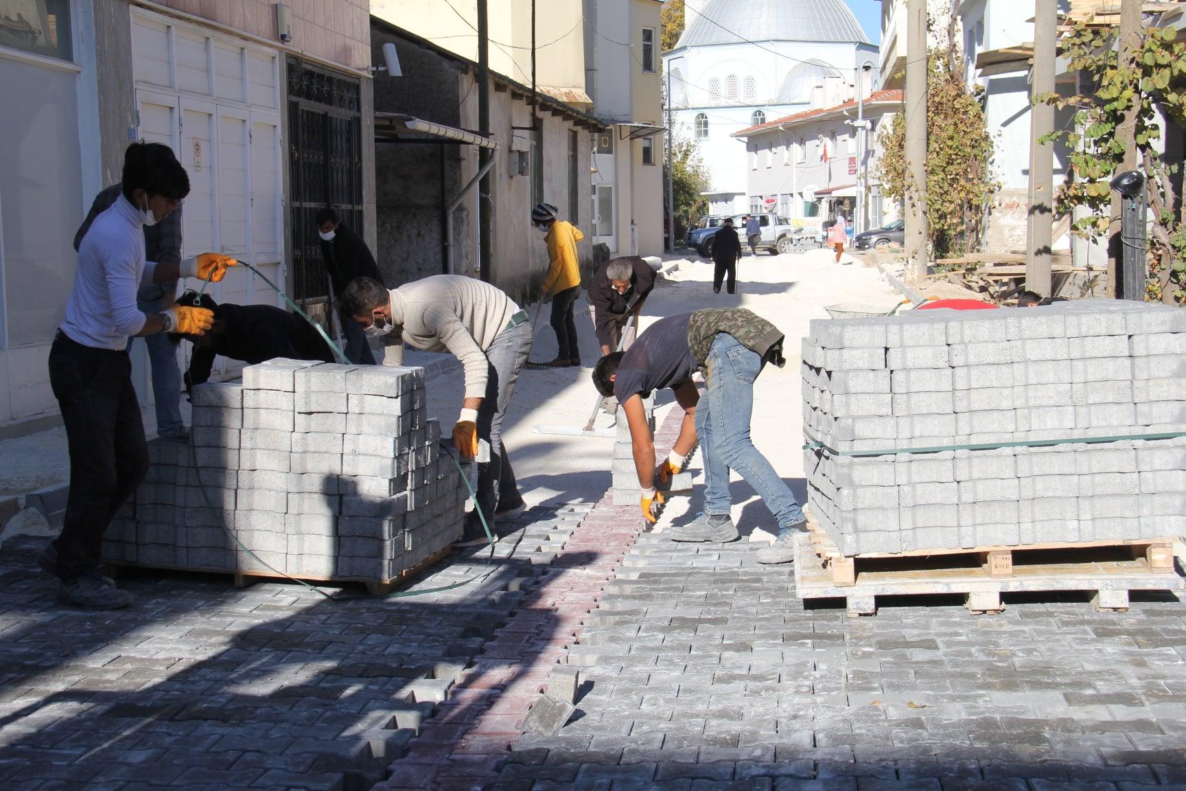 Ula Merkez Demirtaş Mahallesi Melek Hanım Caddesinde Parke Çalışmaları Tamamlandı