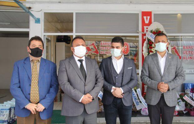 İlçemiz Merkez Esnaflarından Mustafa Barut'un Oğlu Veteriner Hekim Ömer Mutlu Barut Kardeşimizin Kliniğinin Açılışını Gerçekleştirdik