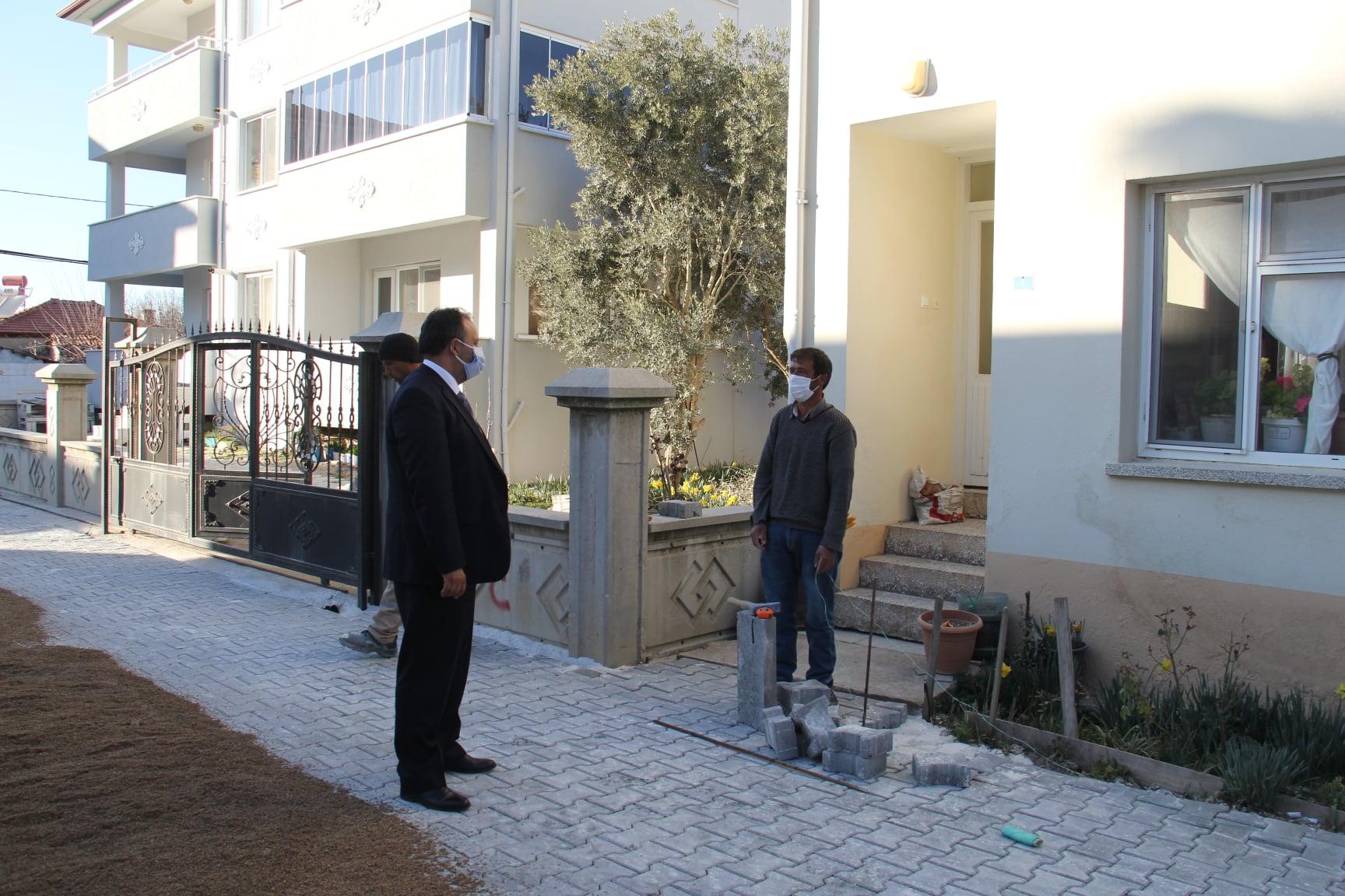 Belediye Başkanımız Sn. Özay Türkler Demirtaş Mahallesi Zambak Sokakta Yapımında Sona Yaklaşılan Parke Çalışmalarını İnceledi